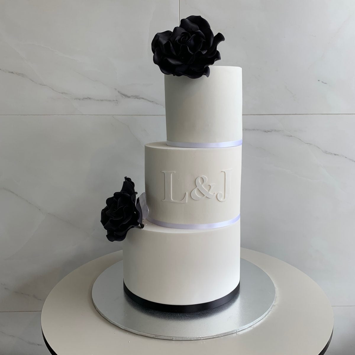 oval wedding cakes oval wedding nikos cakes 18097